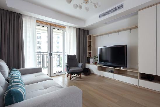 145㎡三房:现代简约原木风格,舒适宜人