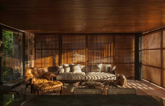 贴近自然的暖色调住宅