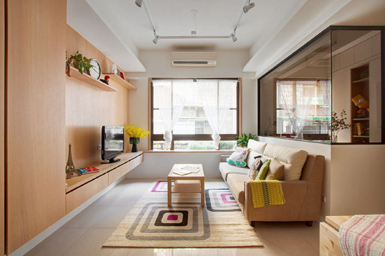 76平米原木简约两室,极细黑框玻璃隔断